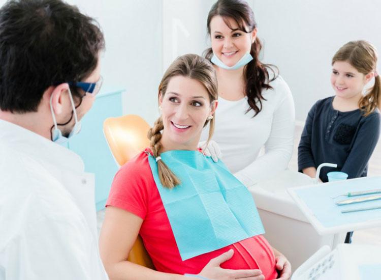 Anne olmaya hazırlanırken diş bakımınızı ihmal etmeyin!